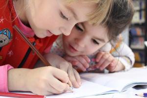 خوشنویسی با خودکار برای کودکان